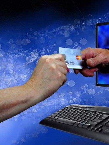 Toque de queda ¿Cómo comprar por Internet?